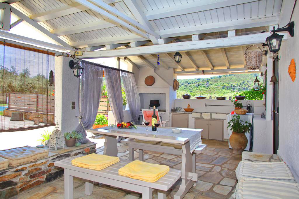 pine trees lux villa with private pool 5 persons terrase skopelos accommodation vacation travel greece wide