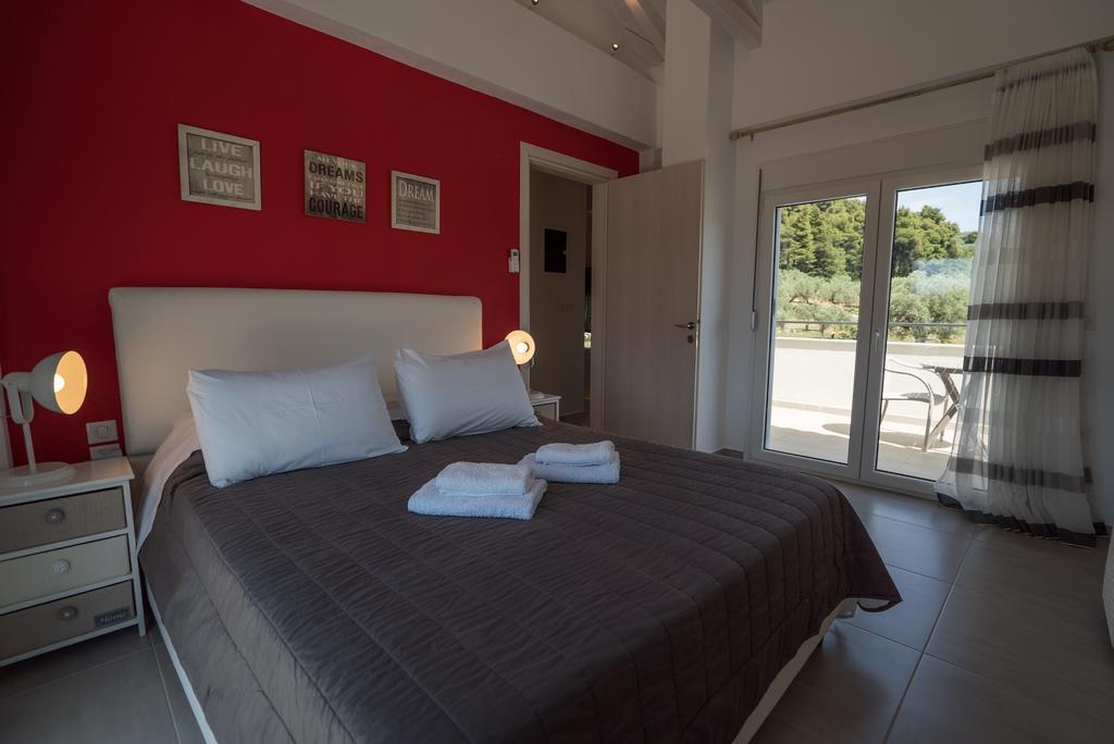 villa aelia kardous with private pool skopelos greece (25)